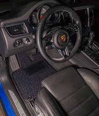 Porsche Macan S - Coco #55 Black and Blue